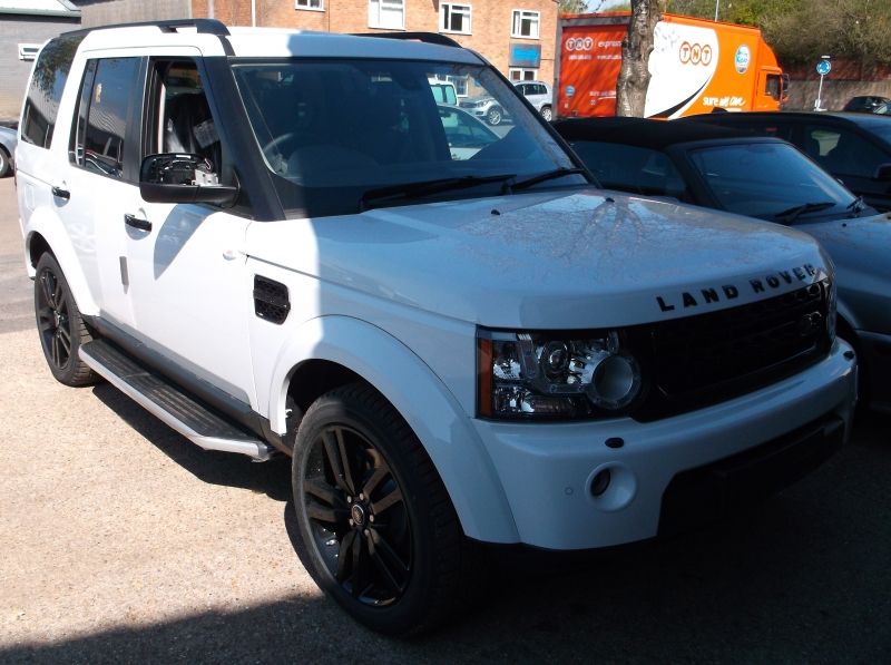 2013 Discovery fitted with left hand brake accelerator kit. Ready to go!
