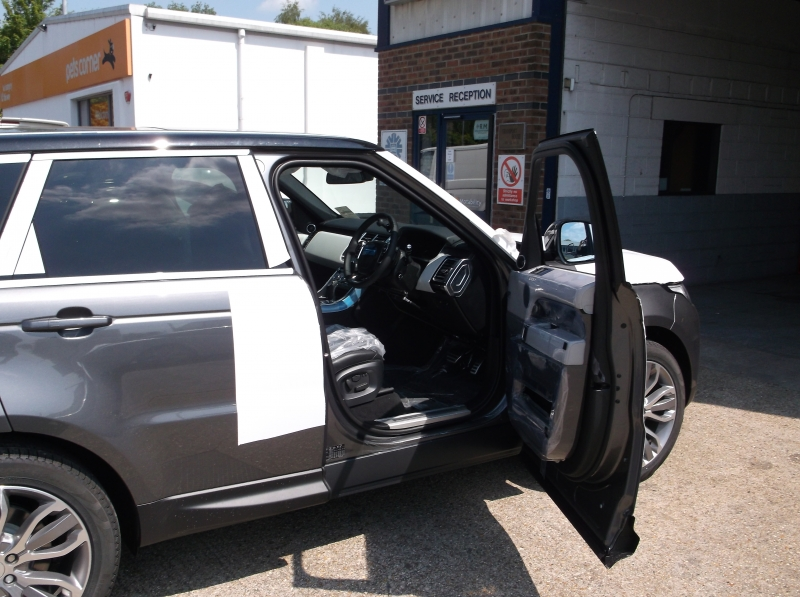 2013 Range Rover Sport fitted with inverted left hand brake accelerator kit. Ready to go!