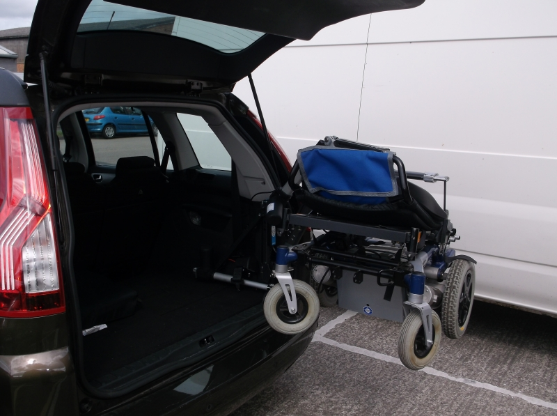 Autochair 150 kg Olympian 4 way  hoist in use