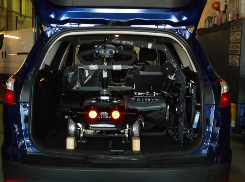 Autochair  4 way mini hoist fitted in a 2014 Ford focus Estate